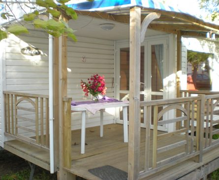 Rental of mobile home with terrace